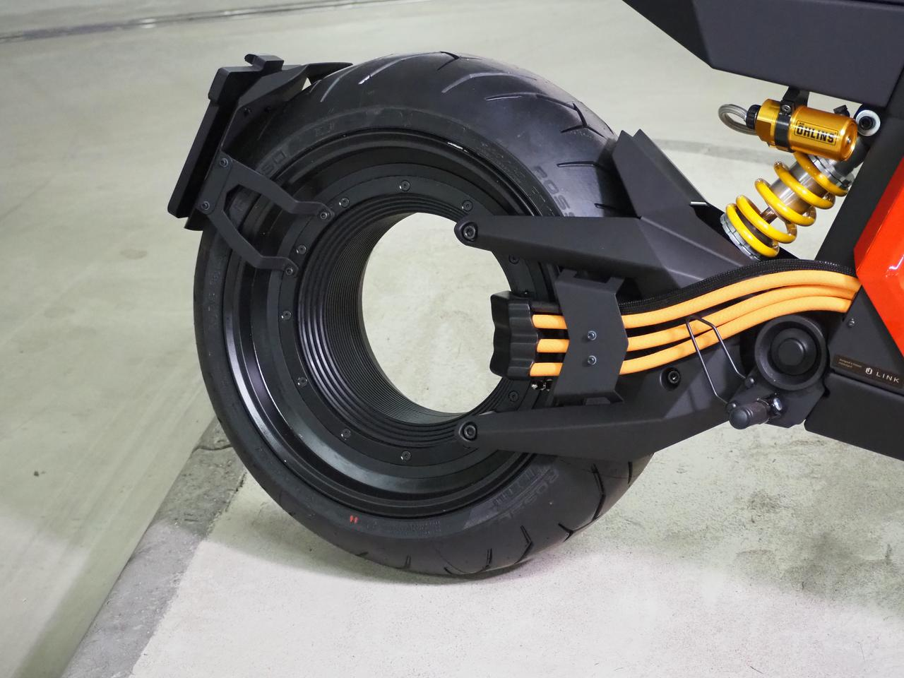 People will make the shape of that rear wheel with their mouths