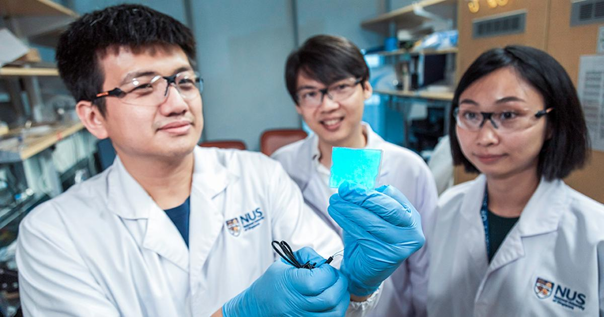 Stretchable material emits light and heals itself