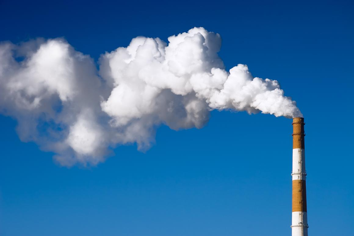 Scientists have created a new material that adsorbs carbon dioxide emissions, then releases the trapped CO2 when irradiated with sunlight (Photo: Shutterstock)