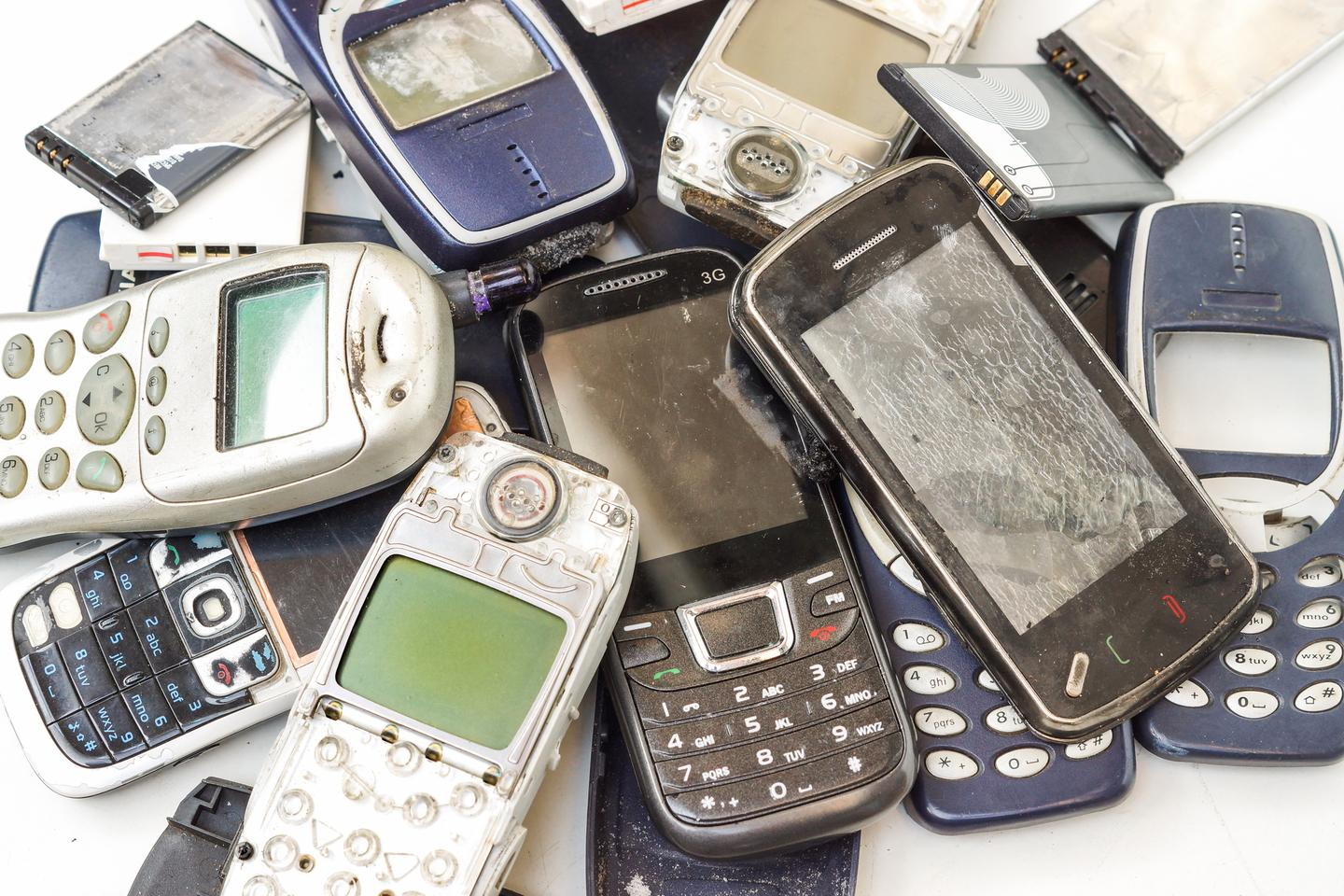 Researchers have developed a way to recover precious metals from electronic waste