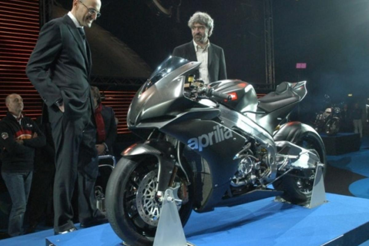 Aprilia RSV4: road debut by the end of 2008