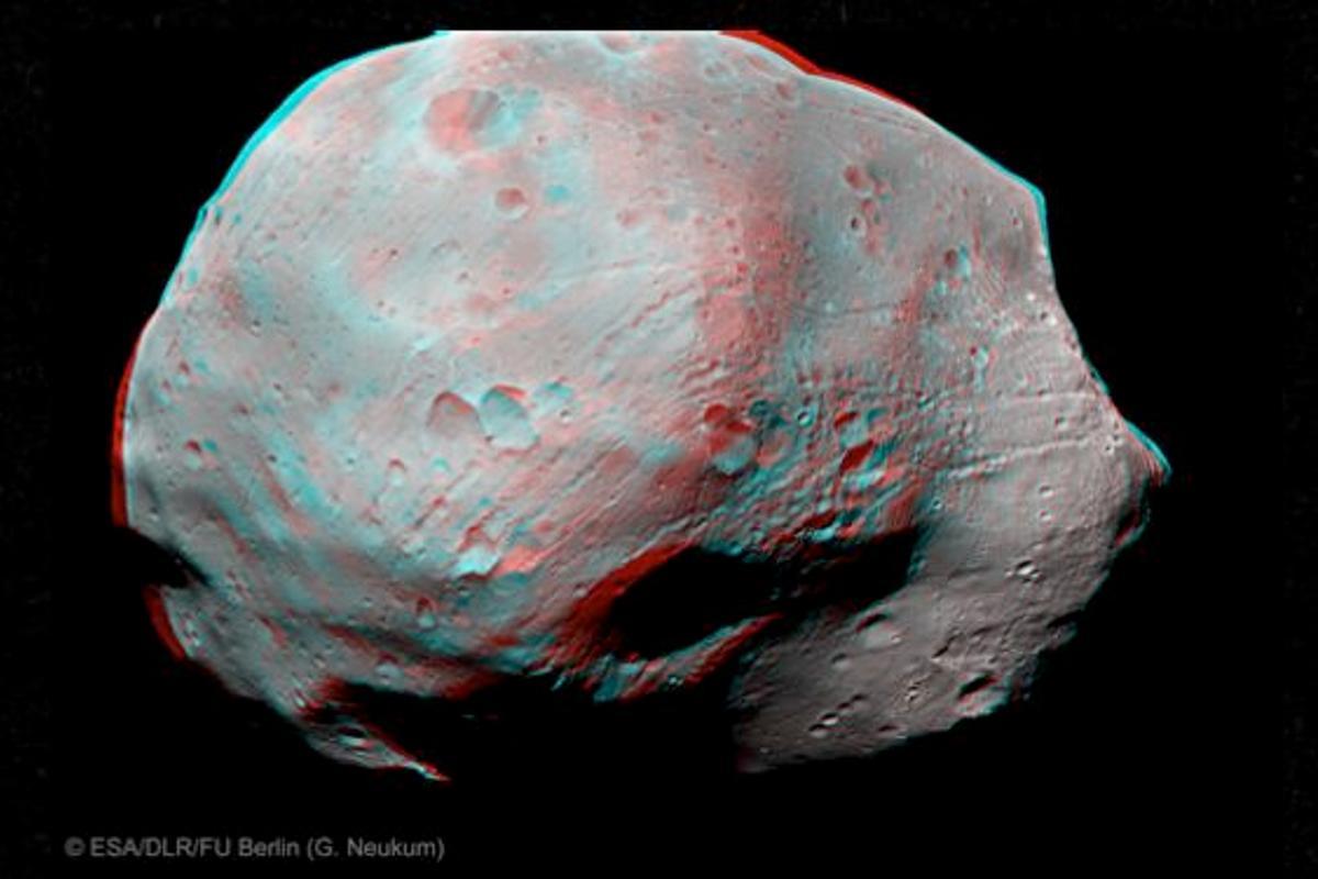 3D stereoscopic image of Phobos (Image: ESA/DLR/FU Berlin (G. Neukum))