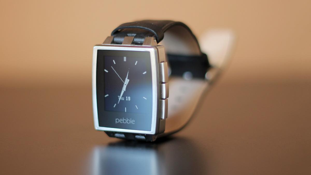 Pebble Steel takes the same technology from the original Pebble, and puts it in a fancy new frame
