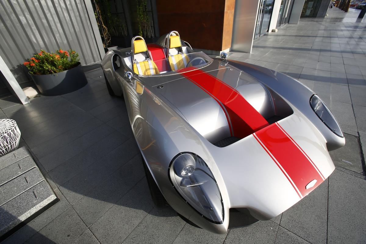 The Jannarelly Design-1 draws inspiration from roadsters of the 1950s and 60s