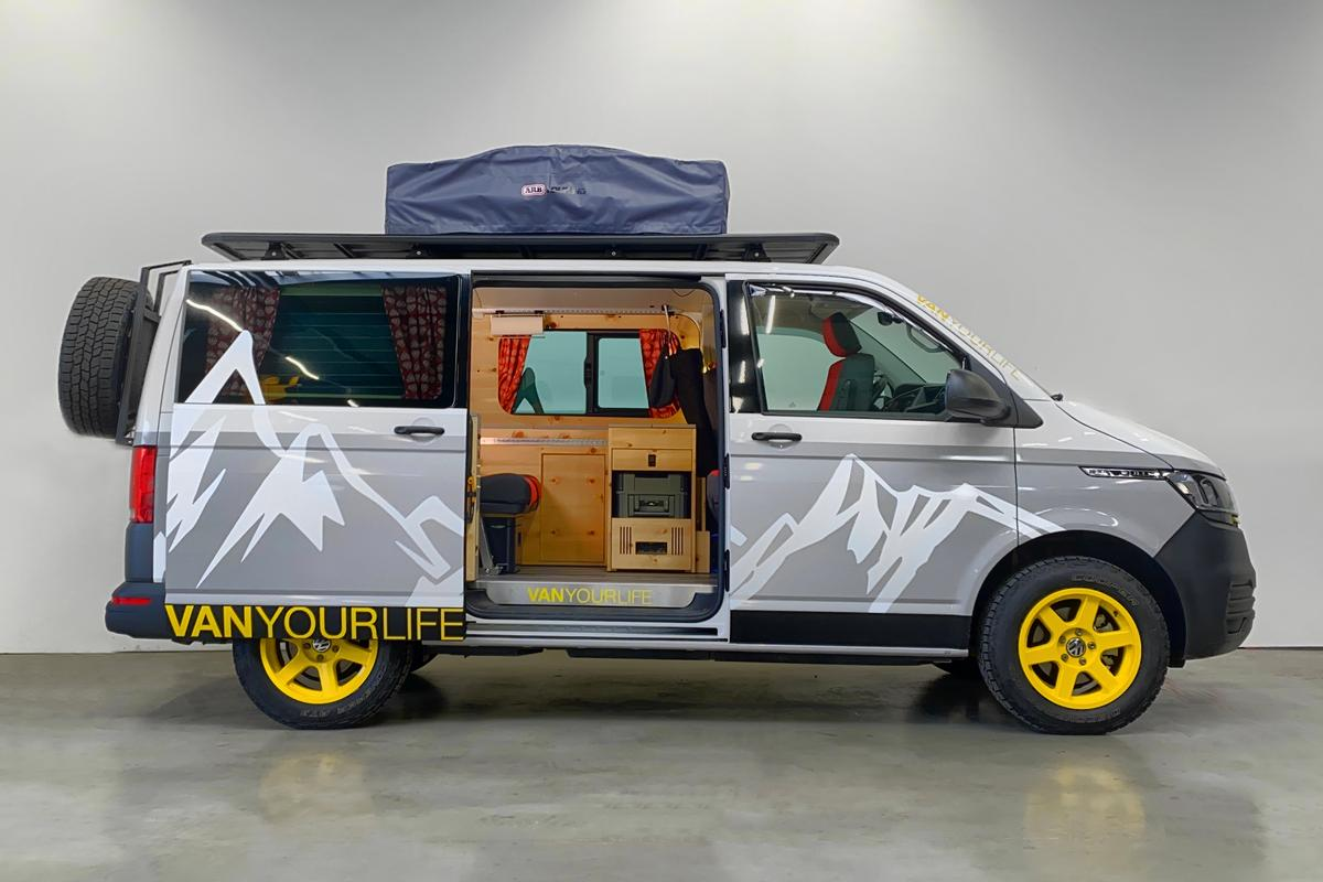 With optional off-road equipment, available mountain graphics and a spruce interior, the Casper feels more rustic and adventurous than other Flowcampers