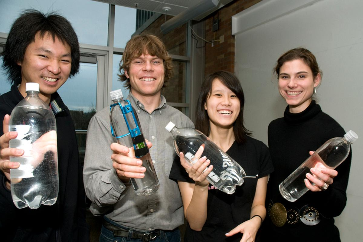Students Chin Jung Cheng, Charlie Matlack, Penny Huang and Jacqueline Linnes designed a way to know when water left in a plastic water bottle in the sun is safe to drink (Photo: University of Washington)