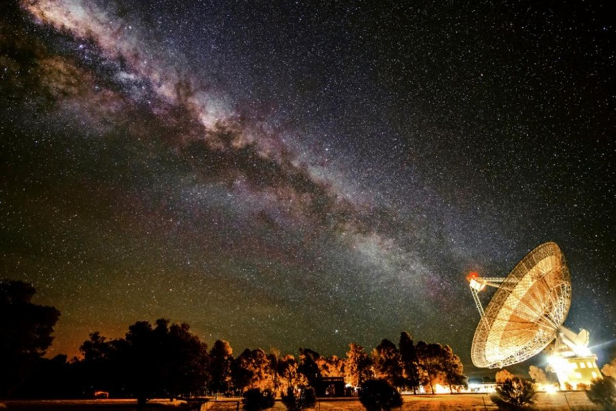 CSIRO Parkes radio telescope searching for signs of intelligent life in space
