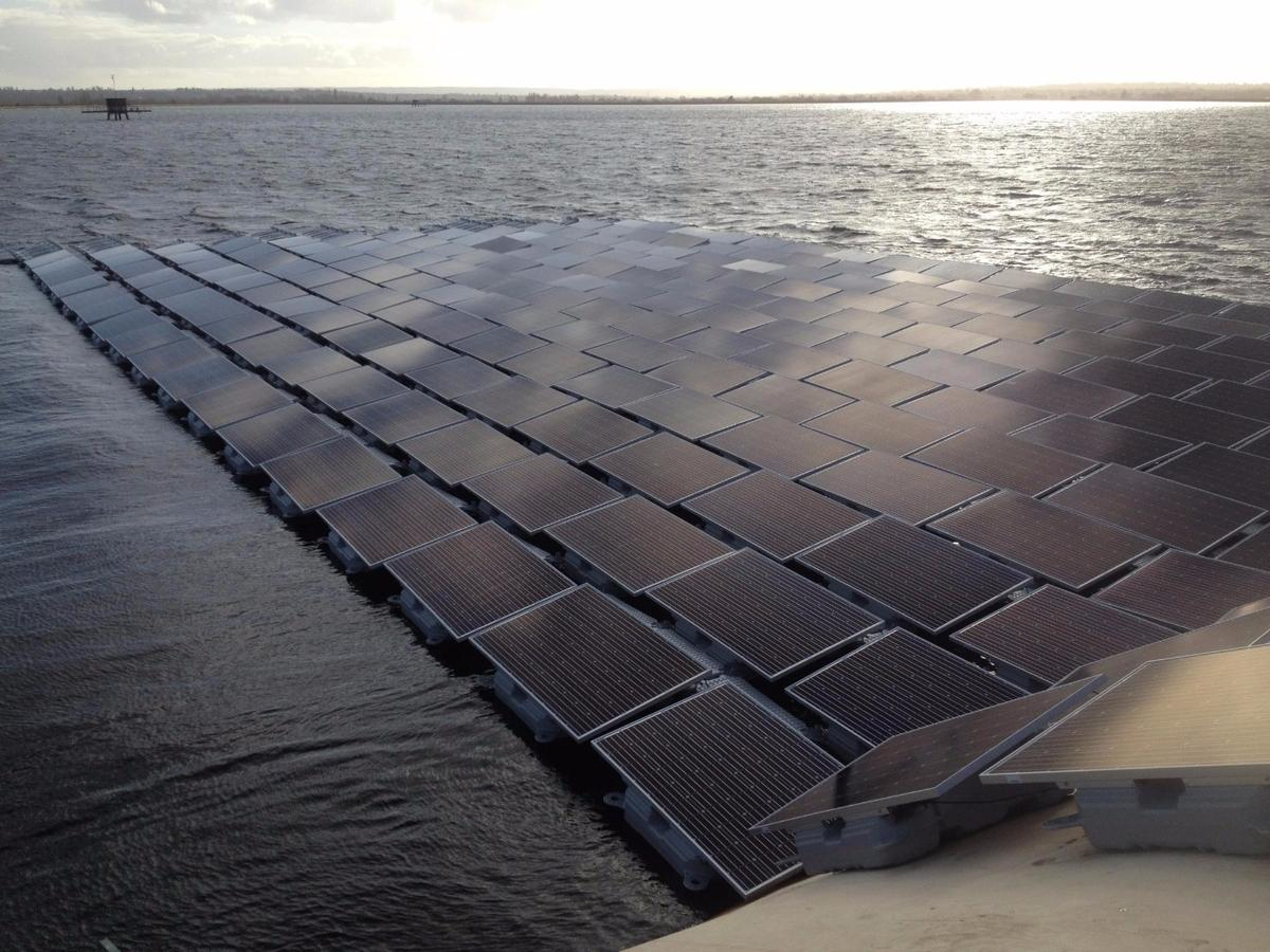 The array will comprise over 23,000 photovoltaic panels, and its floating platform will incorporate over 61,000 floats and 177 anchors