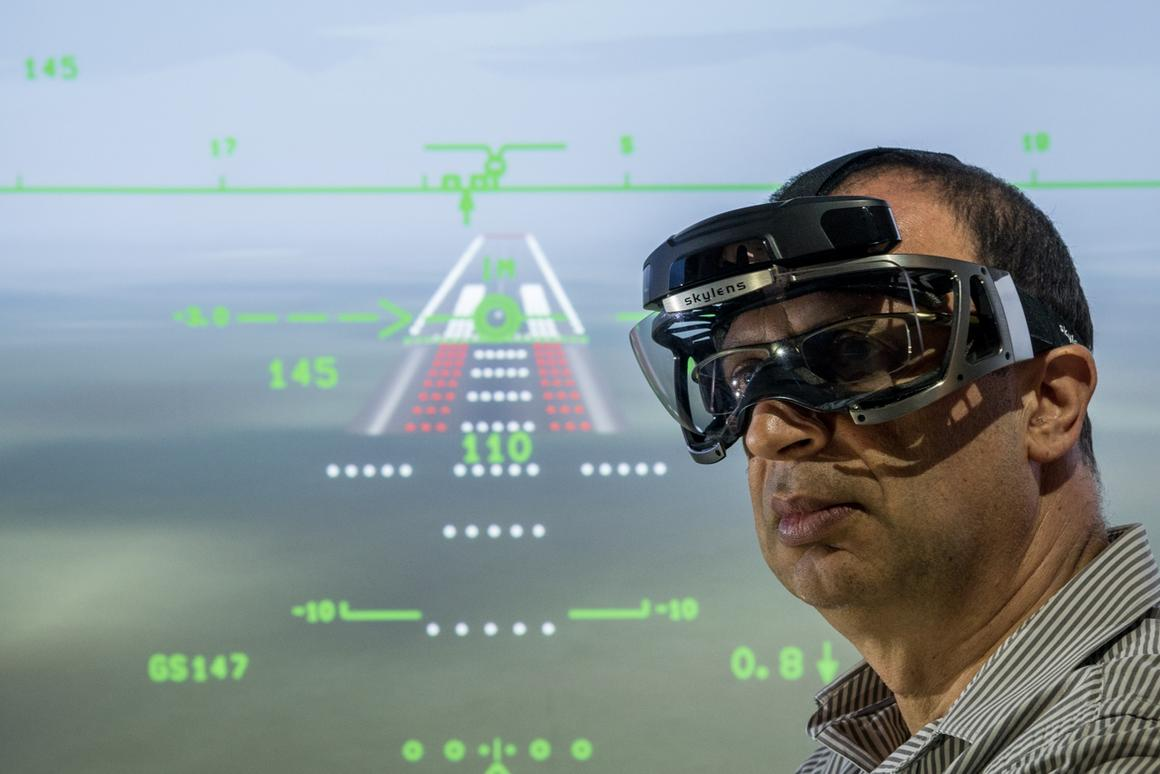 Skylens gives pilots augmented vision without relying on airport instrumentation