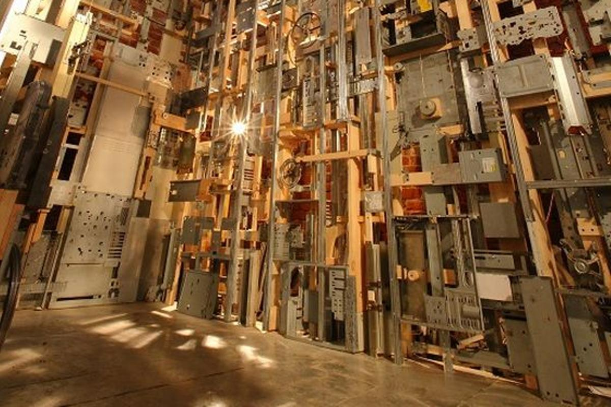 It took three years of searching electronic junkyards to gather all discarded parts for Marek Tomasik's sculpture