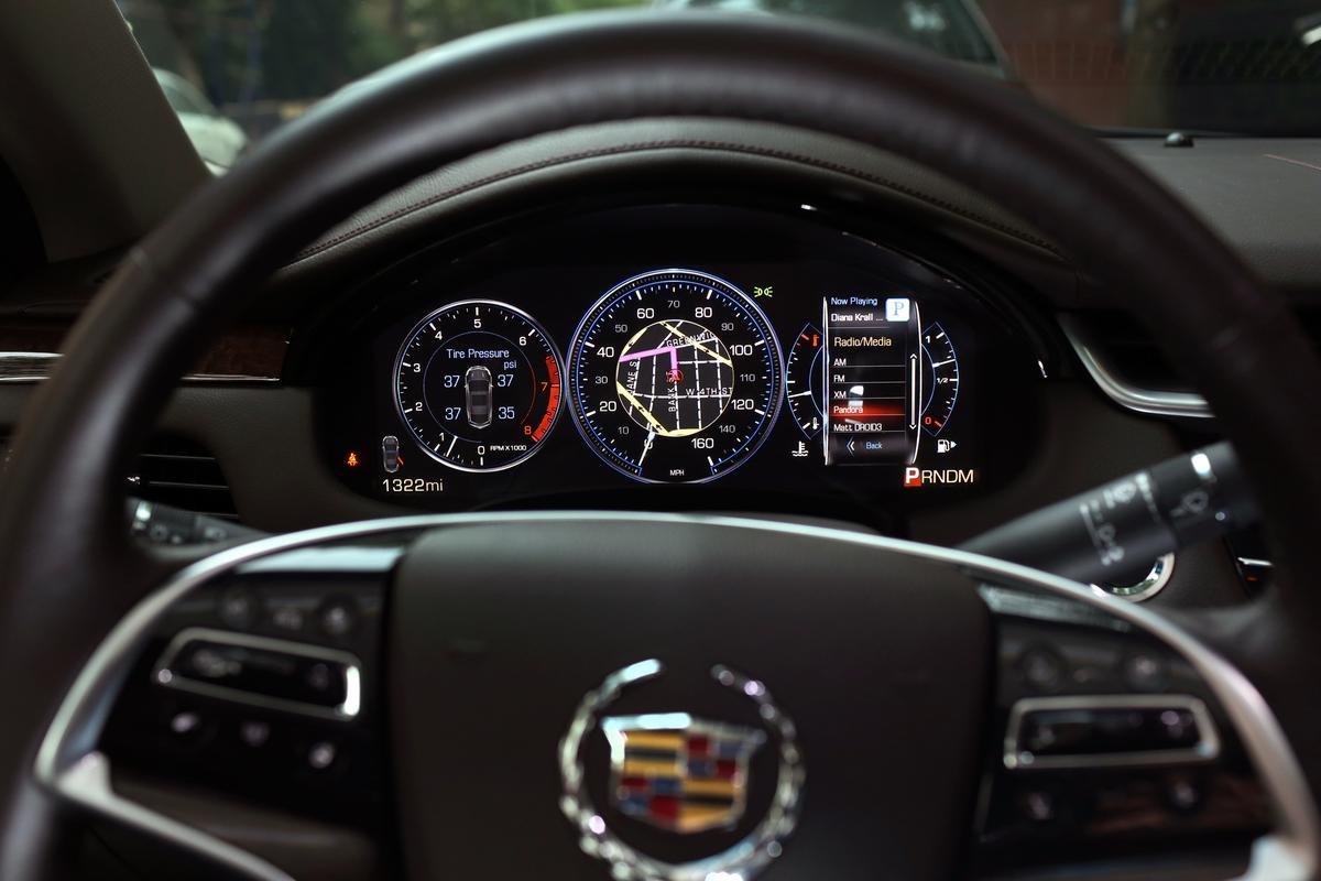 Cadillac XTS gauge cluster