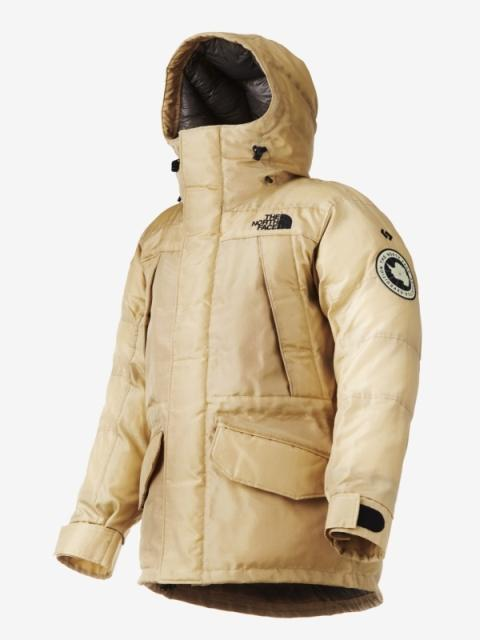 The prototype Moon Parka is based on the design of The North Face's existing Antarctica Parka, and features an outer shell woven on an automated manufacturing line completely from QMONOS