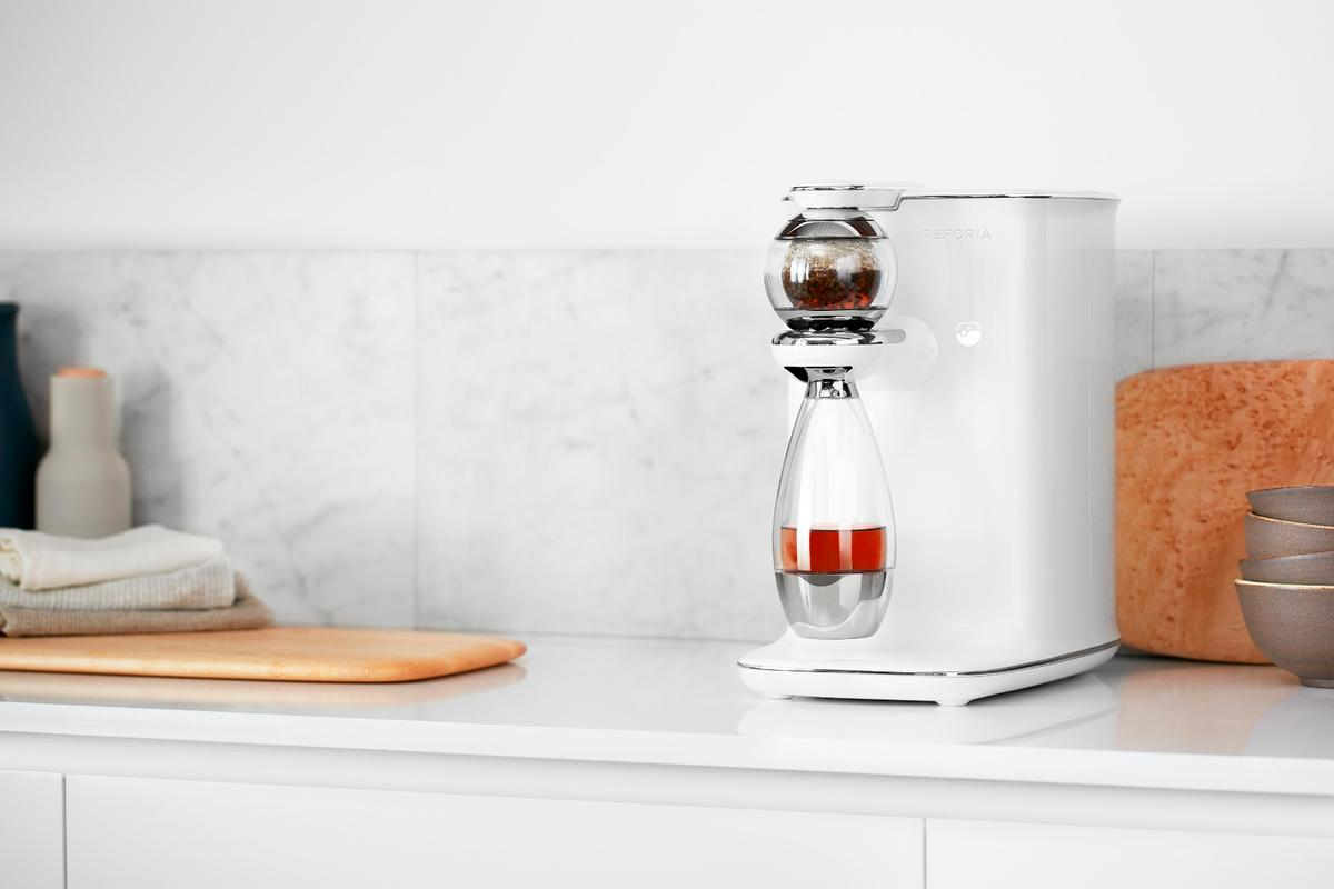 The Teforia infuser automatically adjusts to different varieties of tea