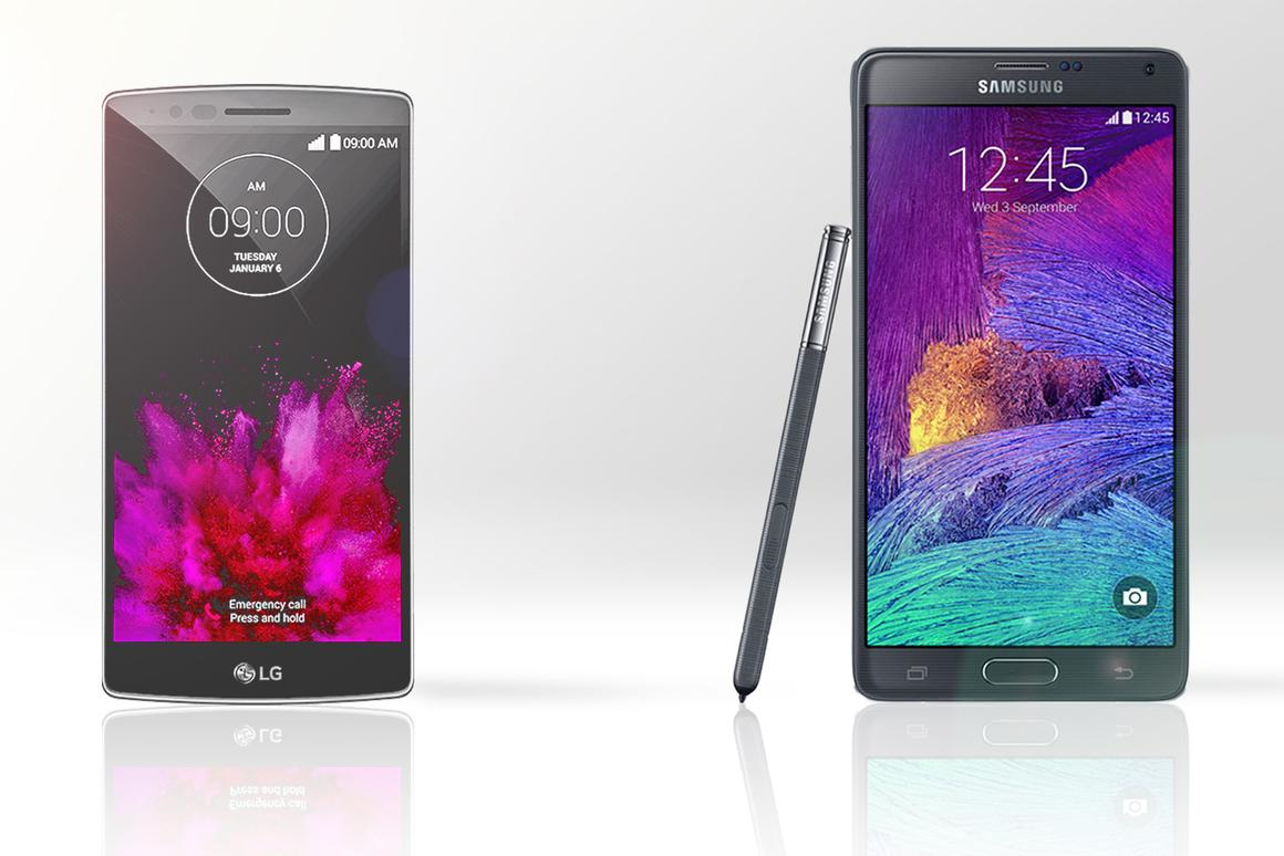 Gizmag compares the features and specs of the curved LG G Flex 2 (left) and Samsung Galaxy Note 4