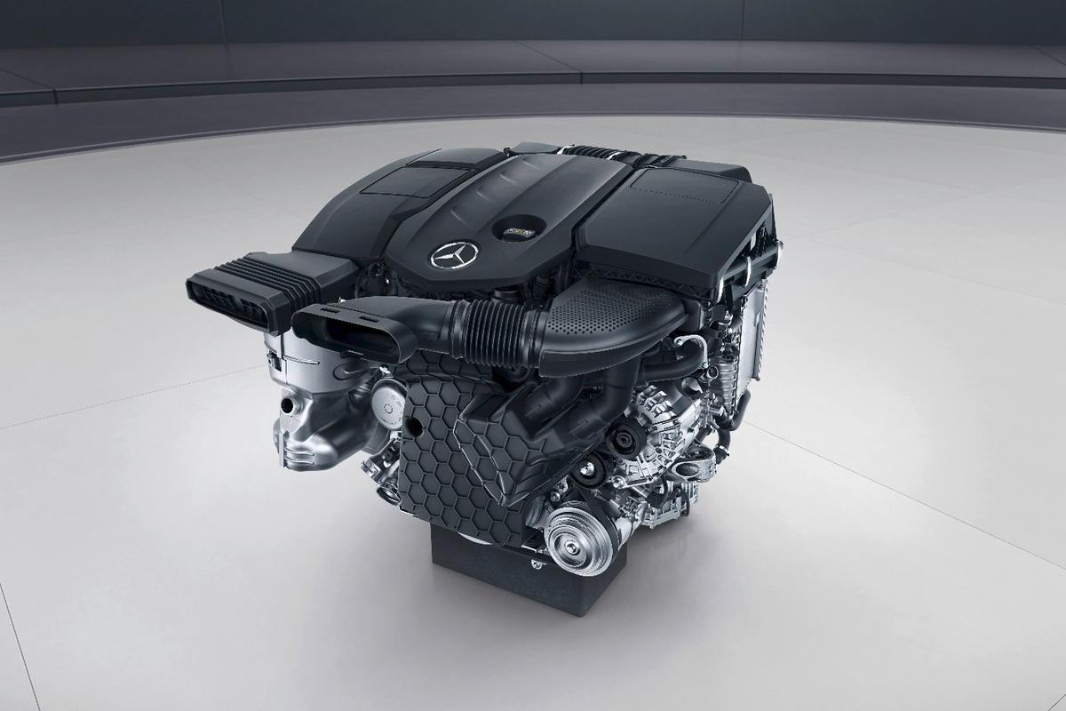 The new engine design cuts fuel consumption and CO2 output by around 13 percent while raising power output to 143 kW from 125 kW compared to its predecessor