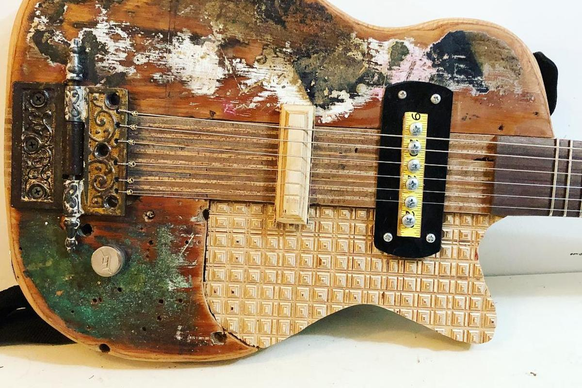 The Bench DIY electric guitar from Keith Decent
