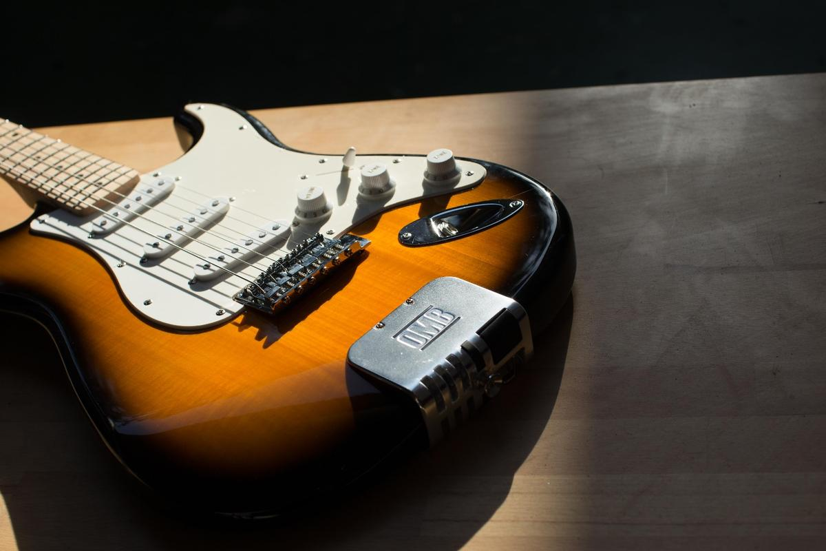 OMB Guitars puts a backing band at a player's fingertips
