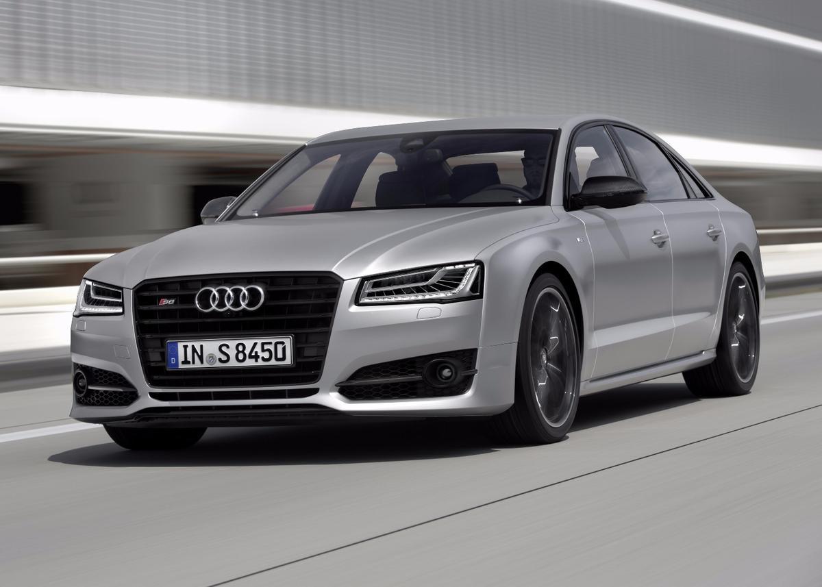 The new Audi S8 plus has a 4.0 TFSI V8 biturbo engine