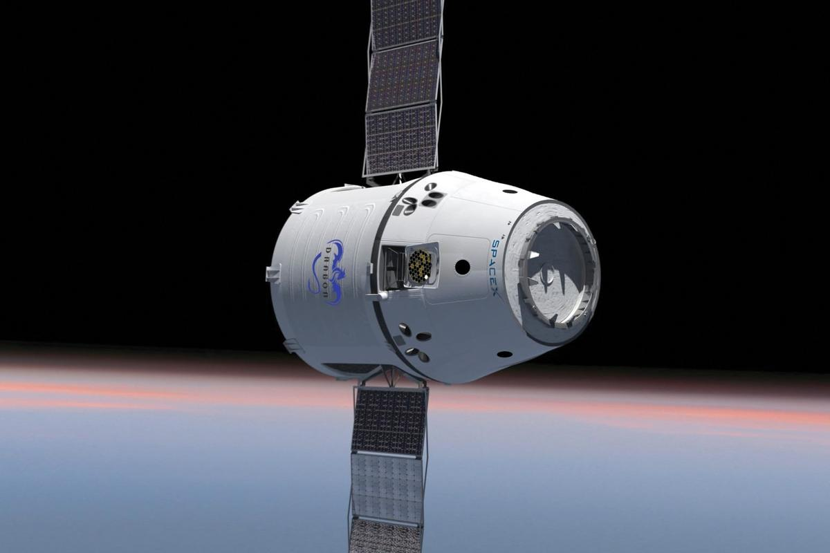 All four of the SpaceX Dragon's thrusters now appears to be fully operational