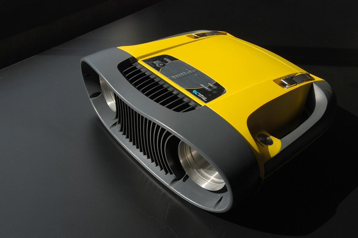Catch the Wind's Racer's Edge laser wind sensor tool.