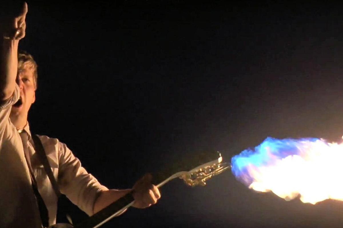 The flamethrower Epiphone Les Paul in the hands of Colin Furze