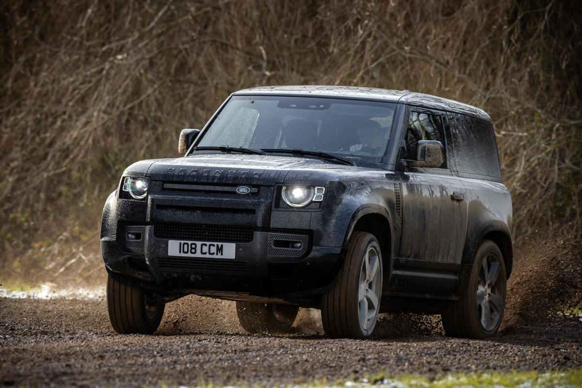 Land Rover adds a V8 option to the Defender engine lineup