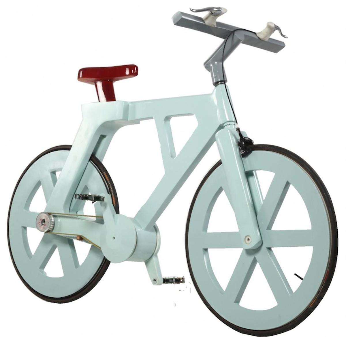 The cardboard bike can support a rider who weighs up to 220 kilograms (485 pounds), and it won't fall apart in the rain