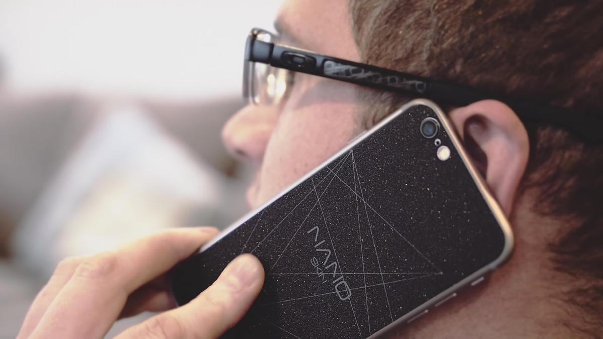 NanoSkins and NanoStickers can allegedlysave battery life on almost any phone