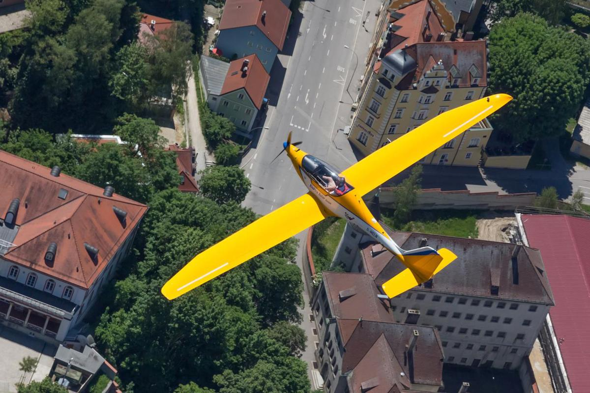 The Elektra One Solar flew autonomously on a predetermined path over Landshut while carrying a complex payload of sensors, cameras and high speed data links which transmitted the datato a ground station.