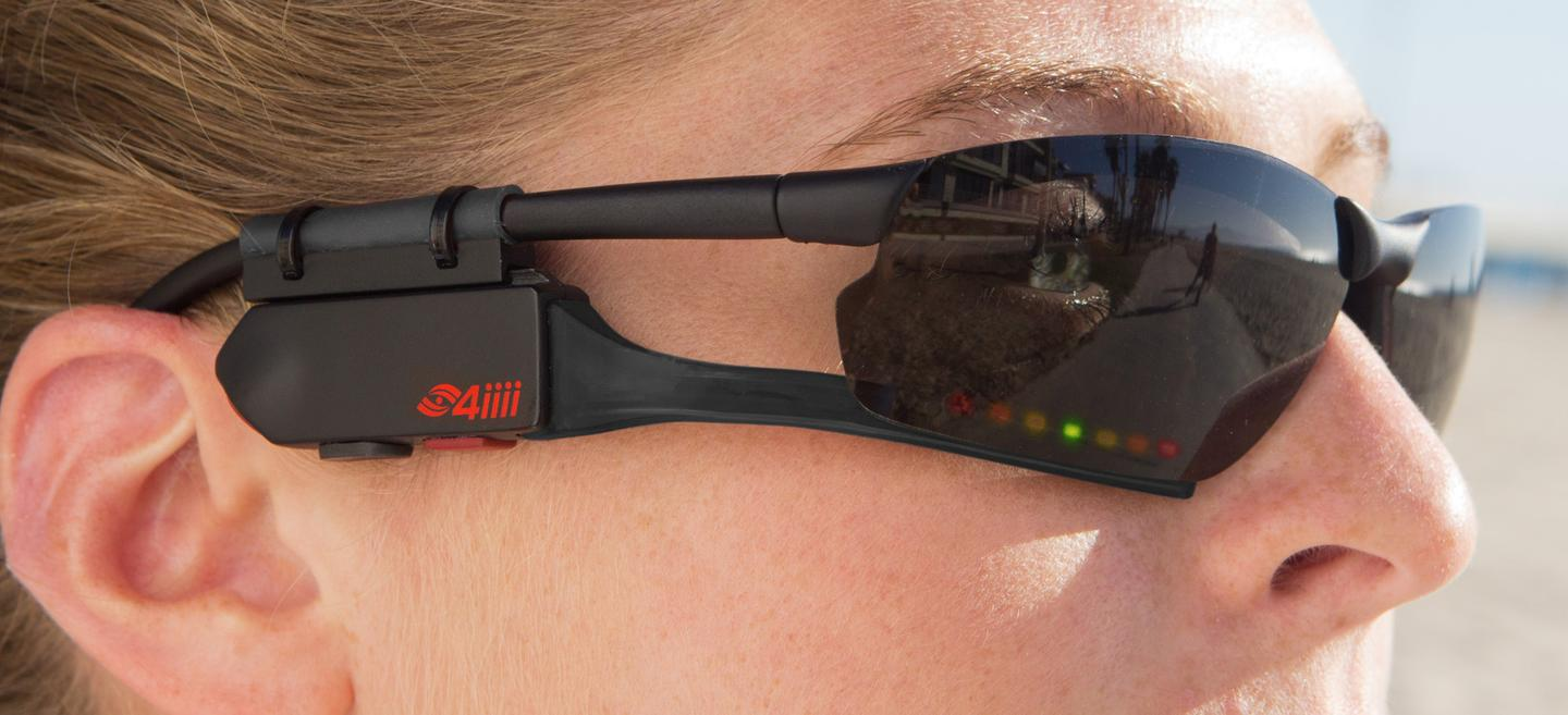The Sportiiiis Head Up Display can be mounted on virtually all glasses thanks to included universal attachment points