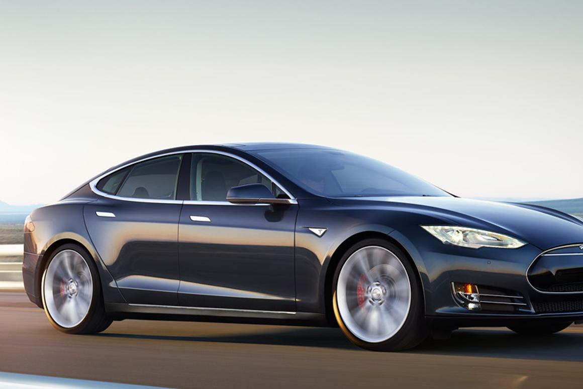 The new Tesla Model S P85D will run an AWD setup and put out a whopping 691 hp (515 kW) and 687 lb. ft. (931 Nm) of torque