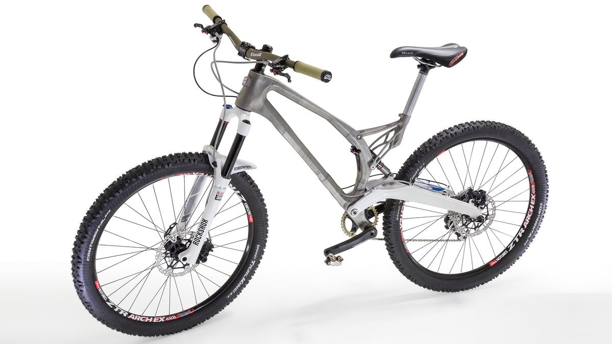 The MX-6 Evo mountain bike, sporting its 3D-printed titanium frame