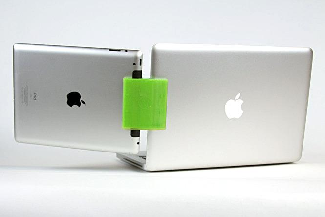 SideCar joining an iPad and MacBook