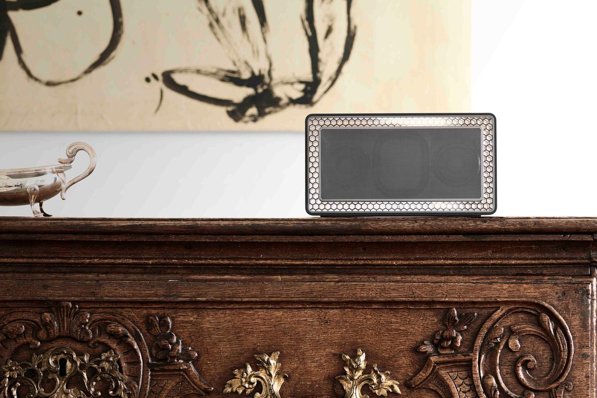 Meet B & W's first Bluetooth speaker, the T7