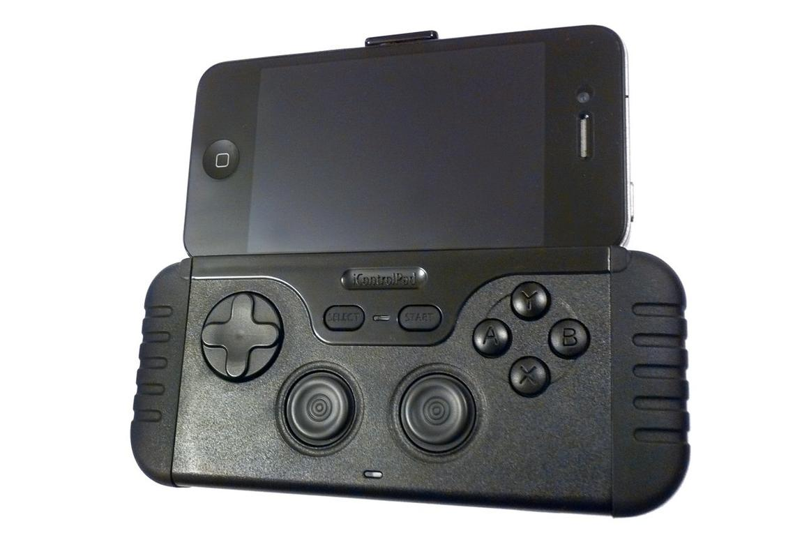 The iControlPad Bluetooth gaming controller offers mobile gamers a similar level of control for smartphones, tablets, and computers as that experienced on consoles