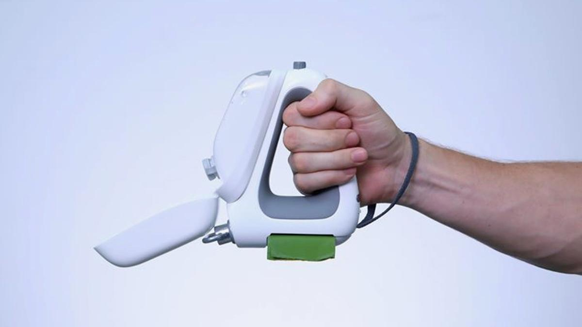 Image of article 'Doggy device sets out to be the Swiss Army Knife of leashes'