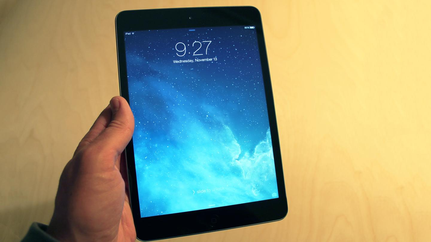 The new iPad mini is a little heavier than last year's model, but we think the minor tradeoff is barely noticeable