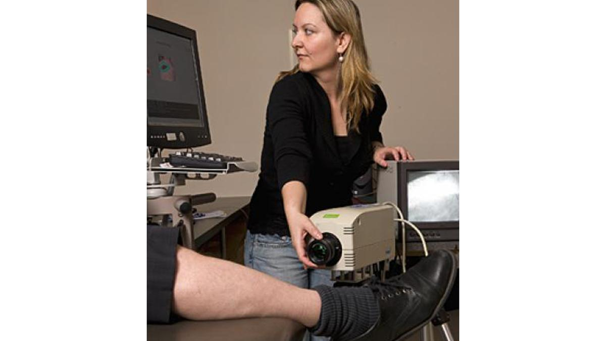 Johns Hopkins researchers are testing an infrared scanning system to detect melanoma (Image: Will Kirk/JHU)