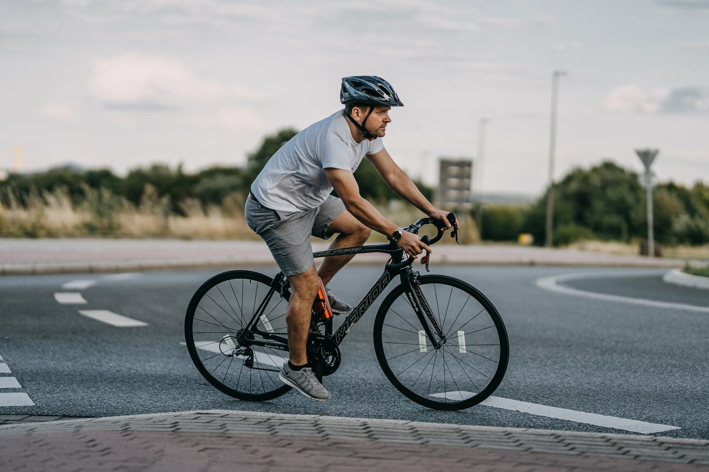 The Freicycle delivers up to 35 km of pedal-assist riding