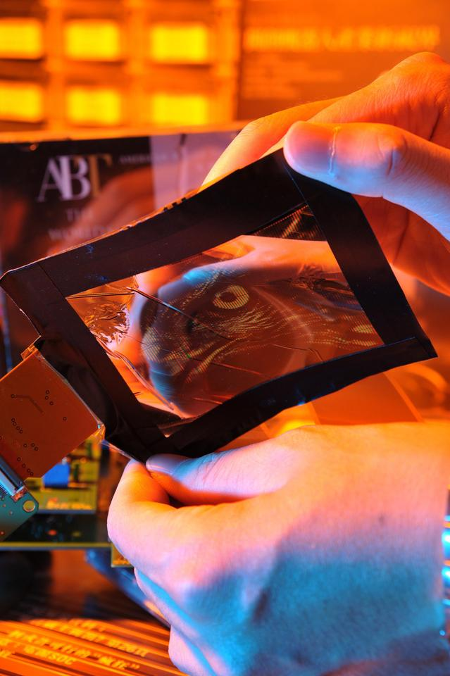FlexUPD paper-thin, flexible AMOLED display technology has been announced as the gold winner at this year's Wall Street Journal Technology Innovation Awards