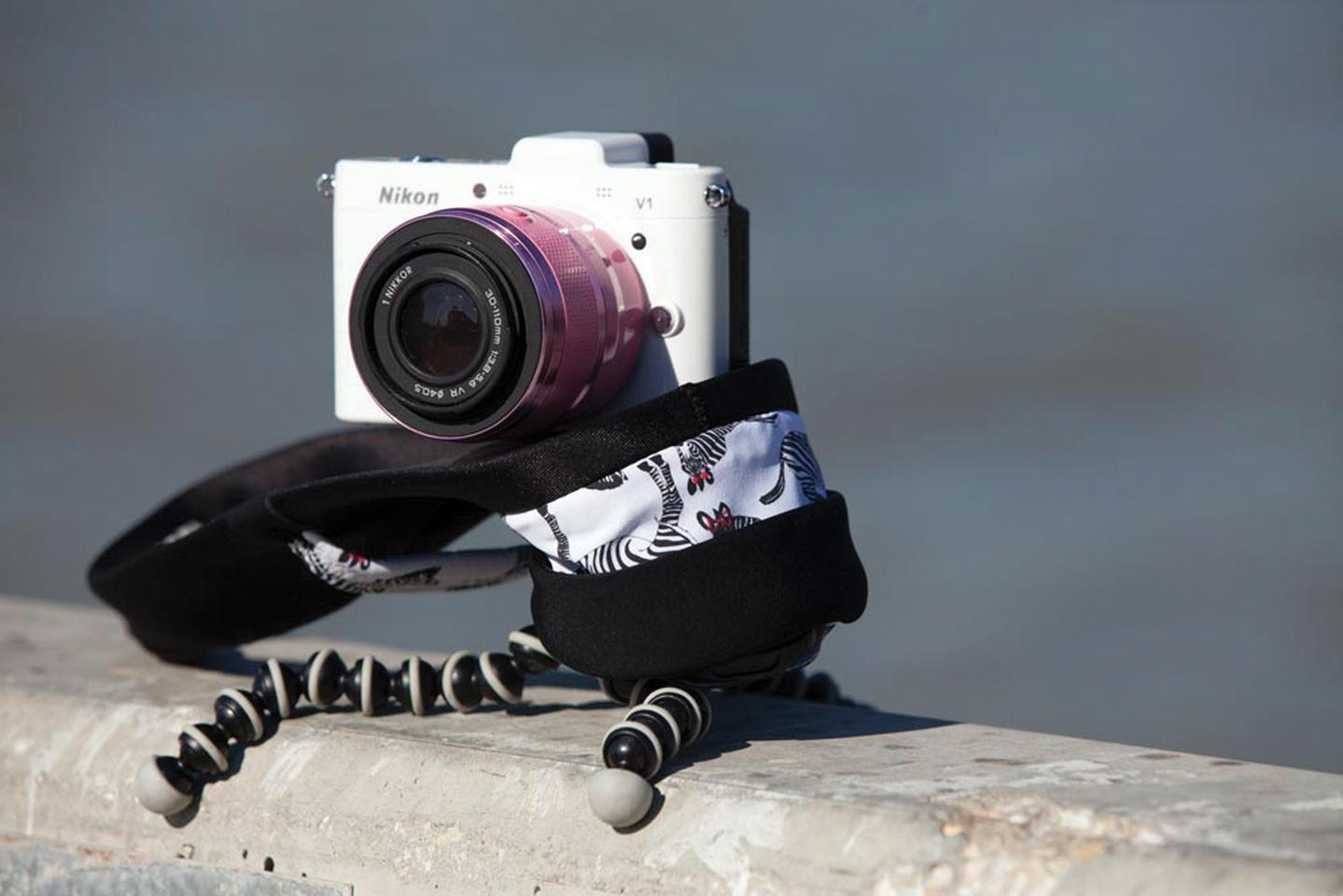 The Miggo camera straps connect using a smart adapter tripod thread, meaning cameras can still be mounted on a tripod