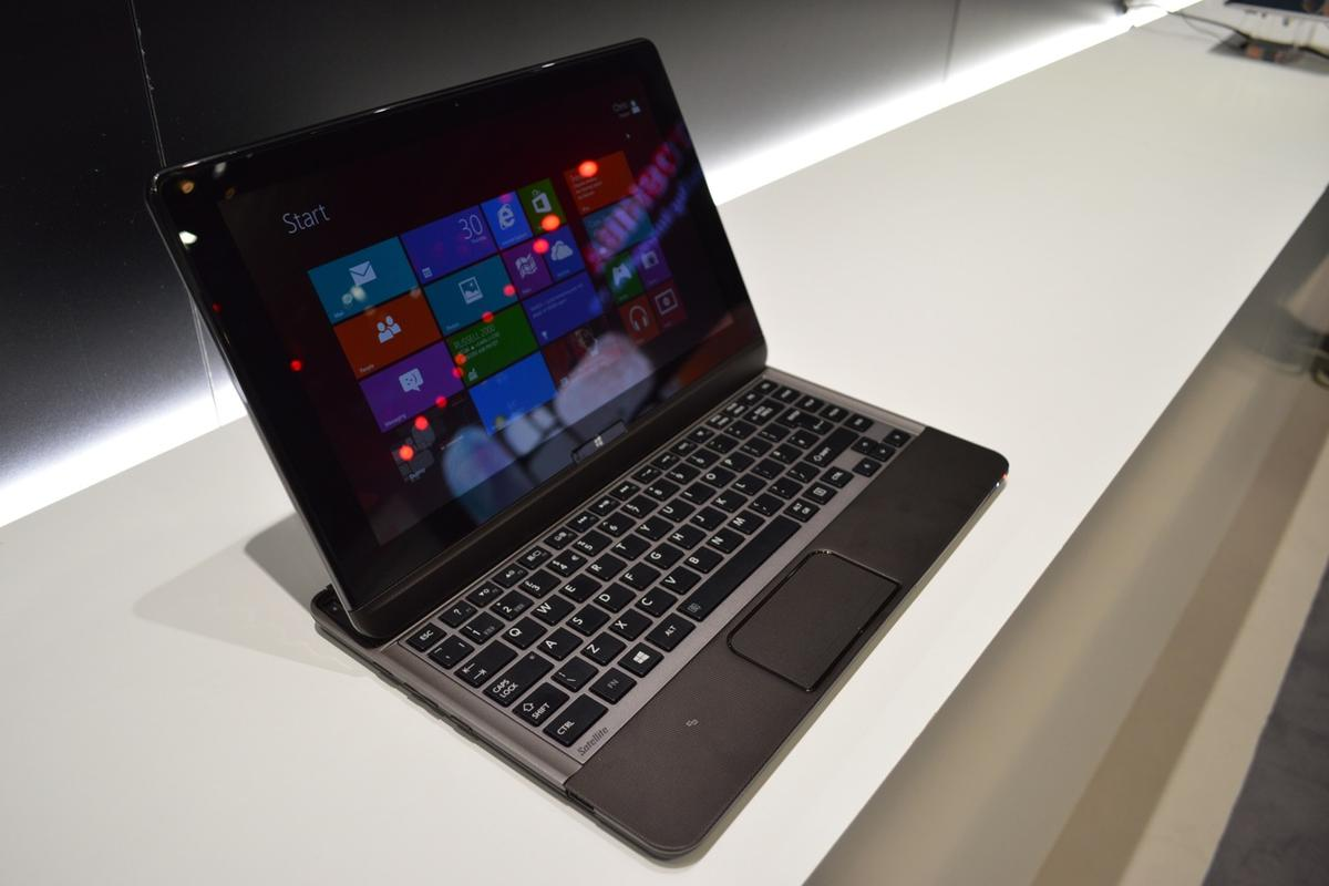 Gizmag goes hands on with the Toshiba U920t ultrabook hybrid