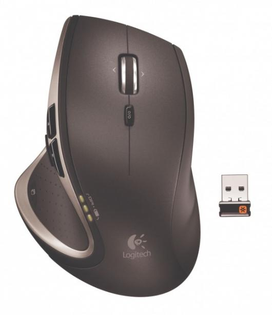 The Logitech Performance Mouse MX is a full-size mouse that operates on shiny surfaces