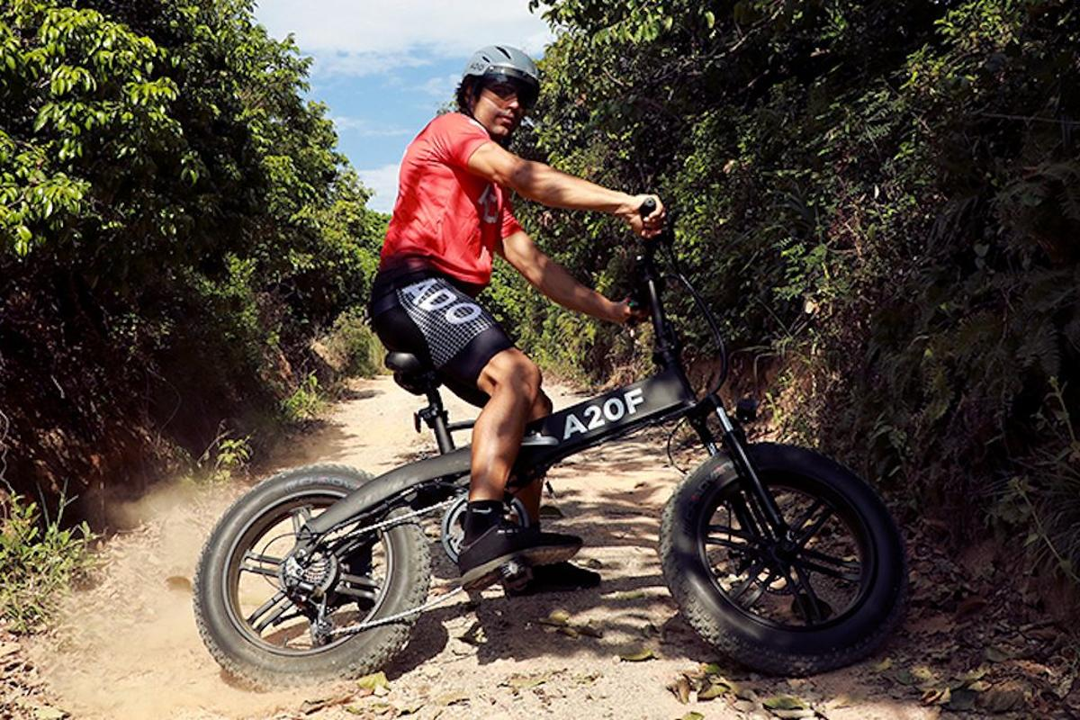 The A20F rolls on 20x4-inch fat tires, and benefits from adjustable fork suspension