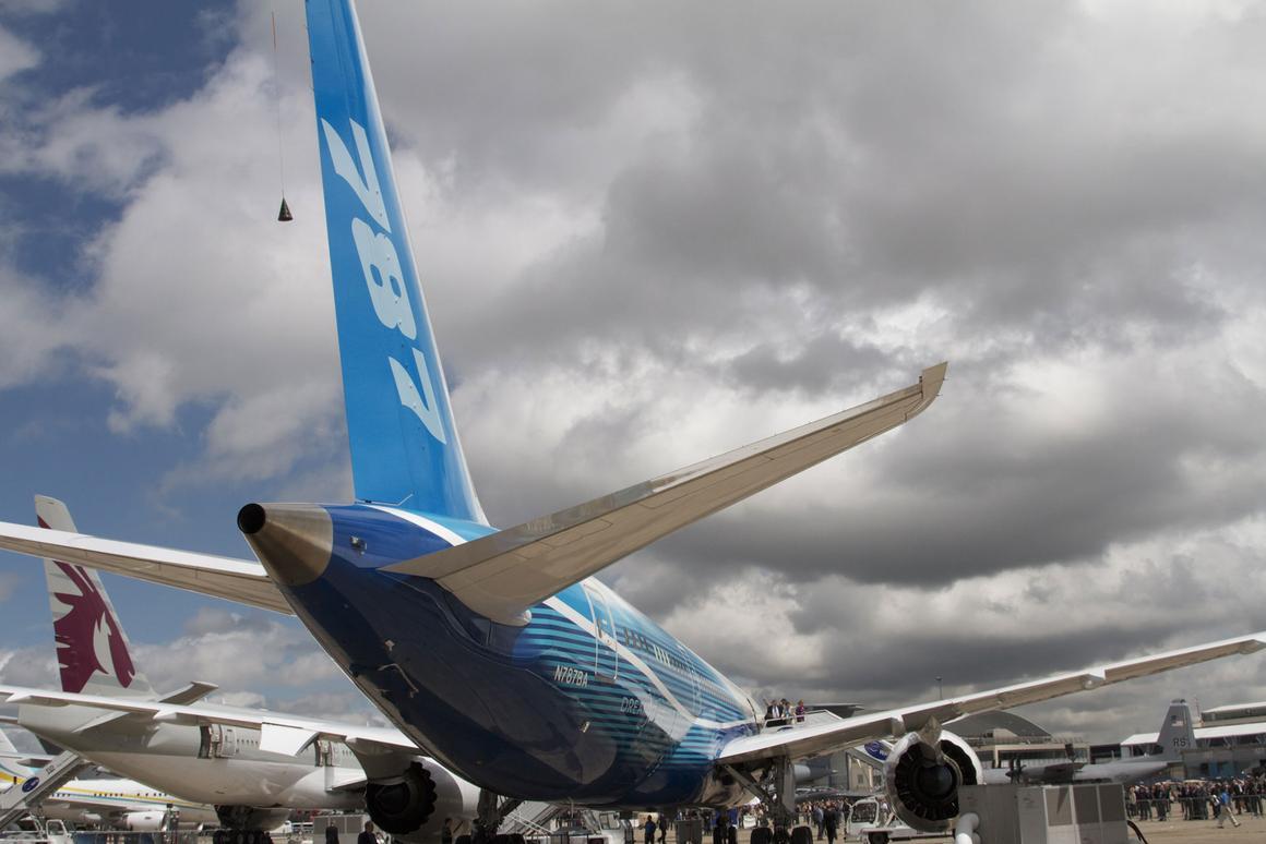 Boeing 787 Dreamliner on display in Paris (Photo: Gizmag)