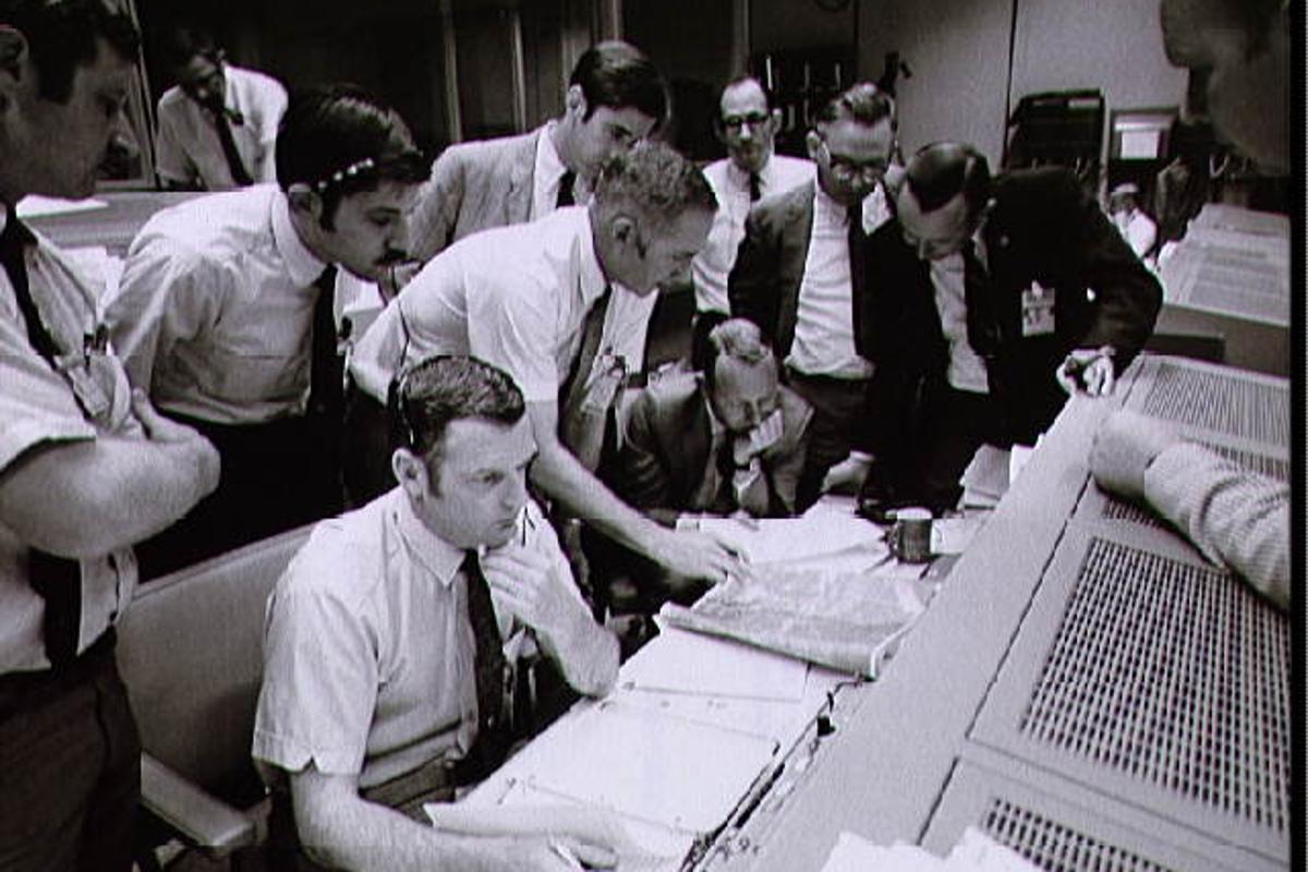 Mission Control Center during the Apollo 13 oxygen cell failure (Photo: NASA)