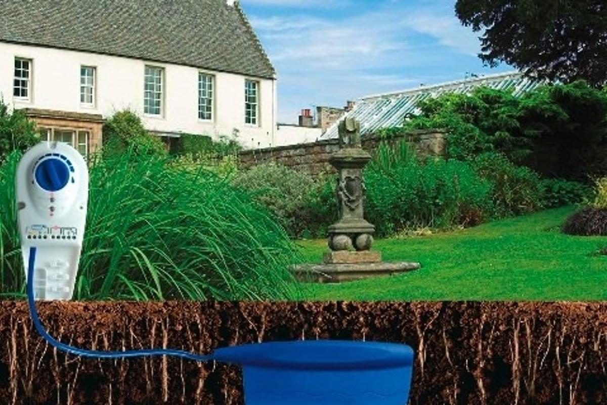 Intelligent domestic watering system regulator