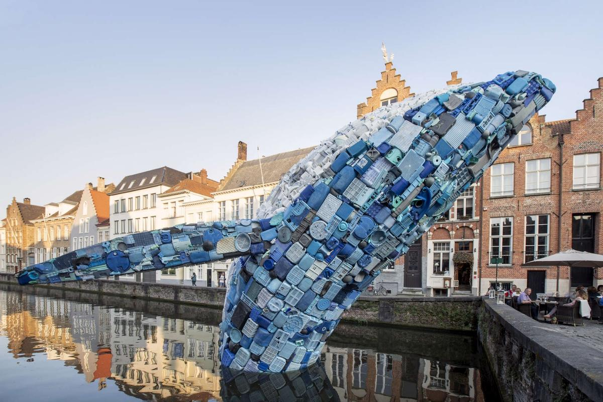 Skyscraper (the Bruges Whale) is made from five tons of plastic waste gathered from the beaches of Hawaii