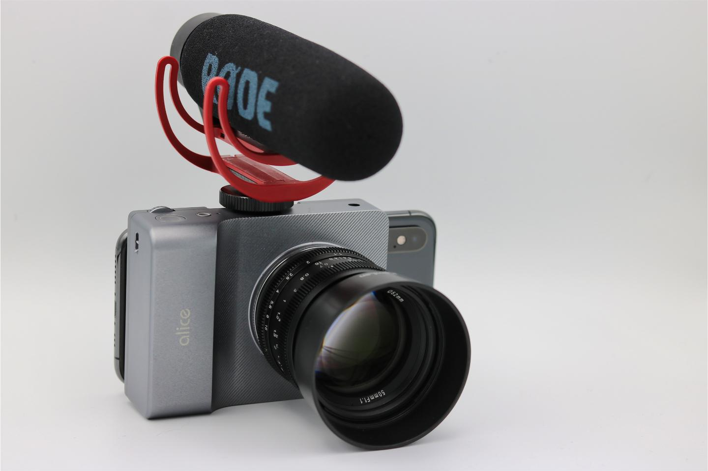 A cold-shoe mount allows hardware like external microphones to be attached to the Alice Camera's body