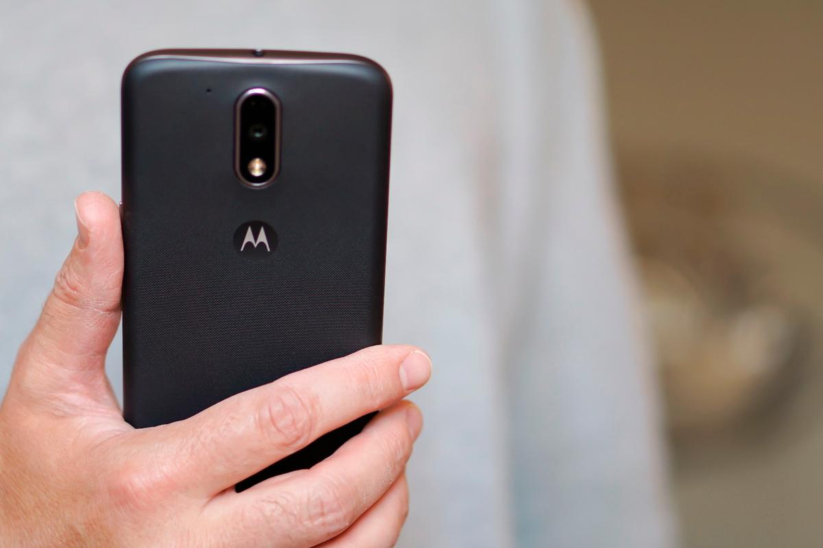 At what point does buying an expensive flagship no longer make sense? Motorola may challenge your thinking with the Moto G4 and G4 Plus